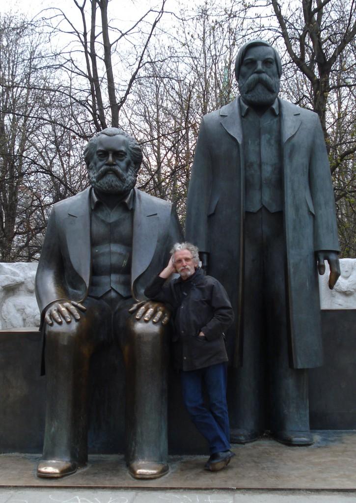 Berlin april 2012, Alexander Platz. Jag, Karl Marx & Friedrich Engels.